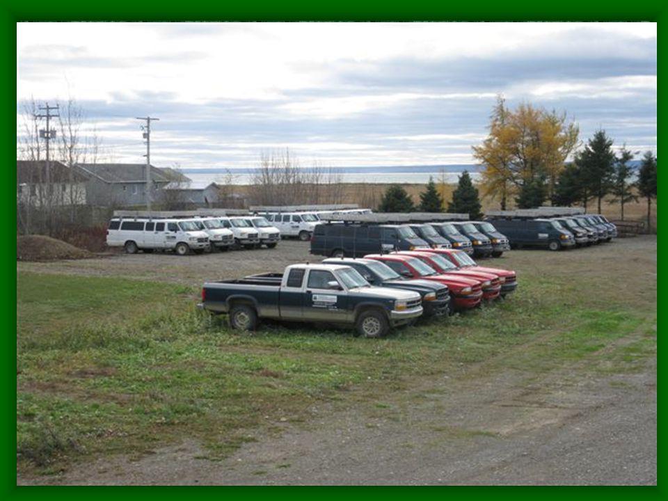 Coopérative d aménagement forestier de la Baie des Chaleurs La coopérative (suite) Produit forestier non ligneux Notre matériel roulant –25 camionnettes –27 minibus –6 motoneige et VTT