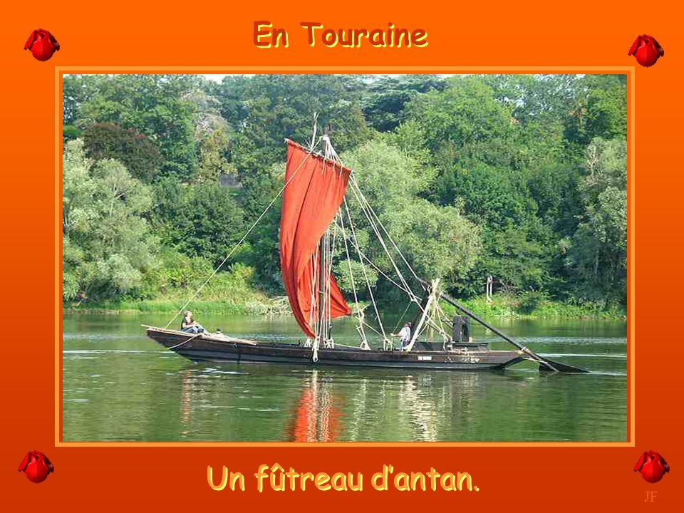 Circuit touristique en vélo. JF Les Bords de Loire