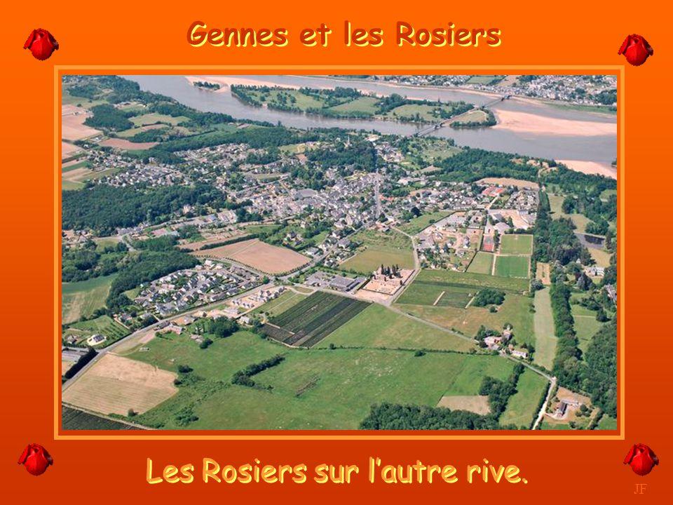 Vue privilégiée sur la Loire et la ville. JF Saumur