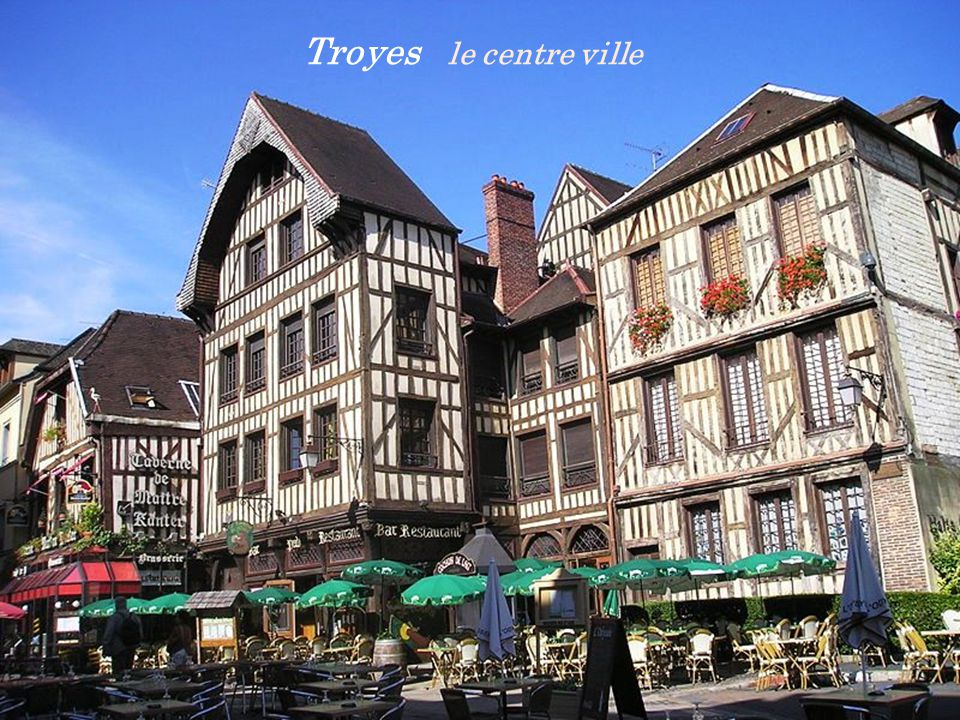 Troyes cathédrale Saint-Pierre-et-Saint-Paul du XIIIe siècle. les vitraux du Chœur
