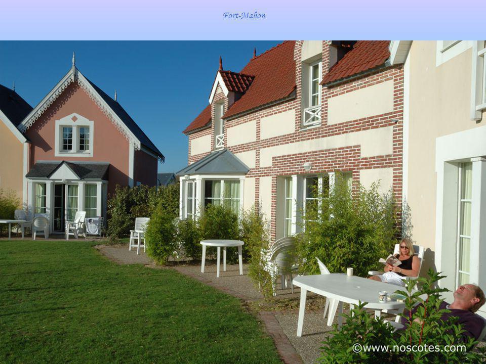 Mers-les-Bains - Les villas du bord de mer - Relief en céramique architecturale