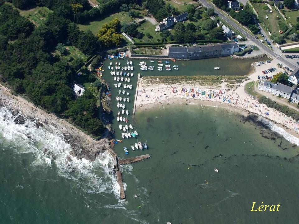 Séchage des filets sur les quais du port La Turballe