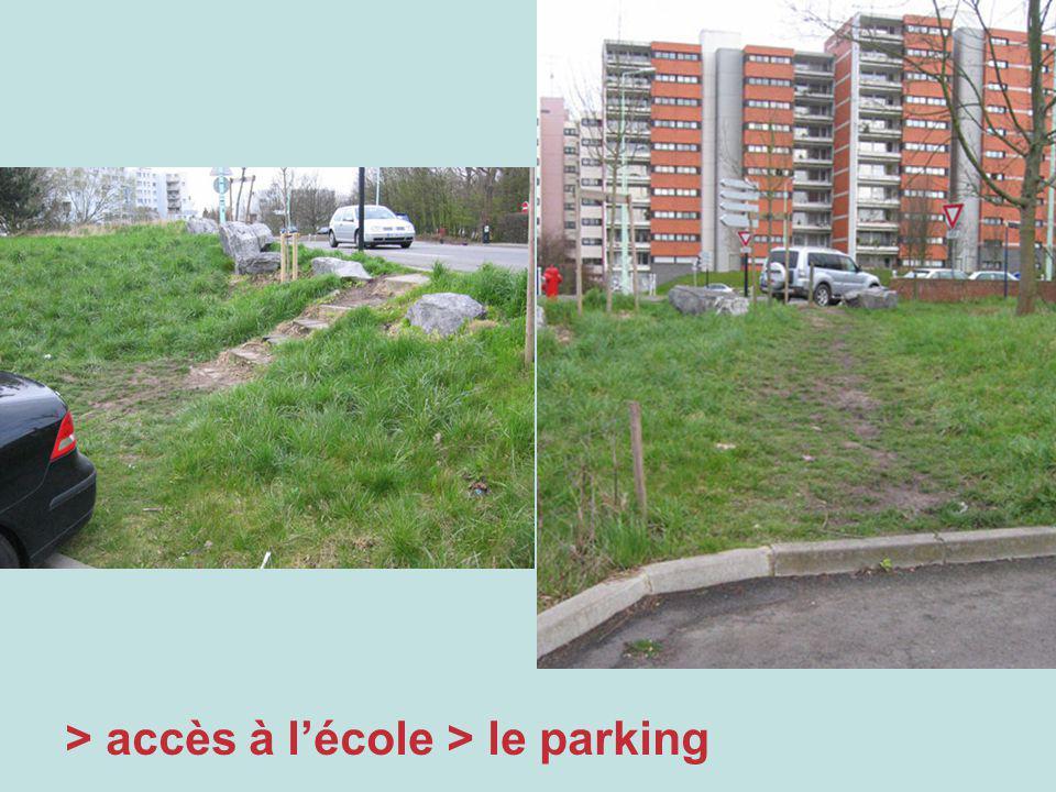> accès à lécole > le parking