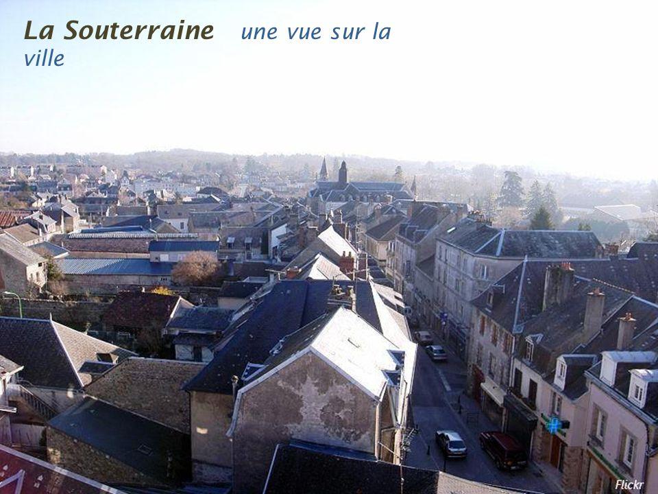 Le Grand-Bourg l e village