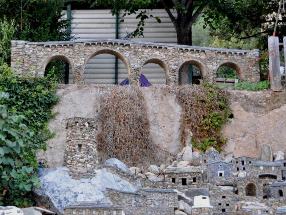 Cest en 1997 que Jean-Claude Marchi à débuté la construction du village de Carrioli.