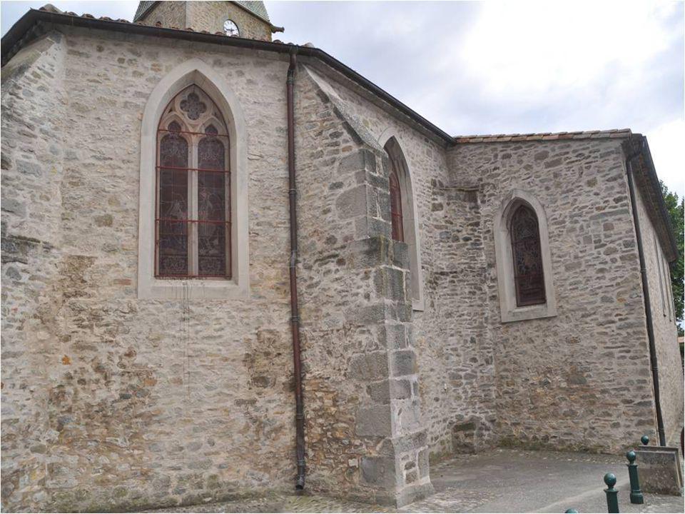 Le médiéval château de Villegly à été restauré à plusieurs reprises, et démontre larchitecture de la renaissance Preuve de nombreuses périodes de son histoire peuvent être vu dans les bâtiments du village