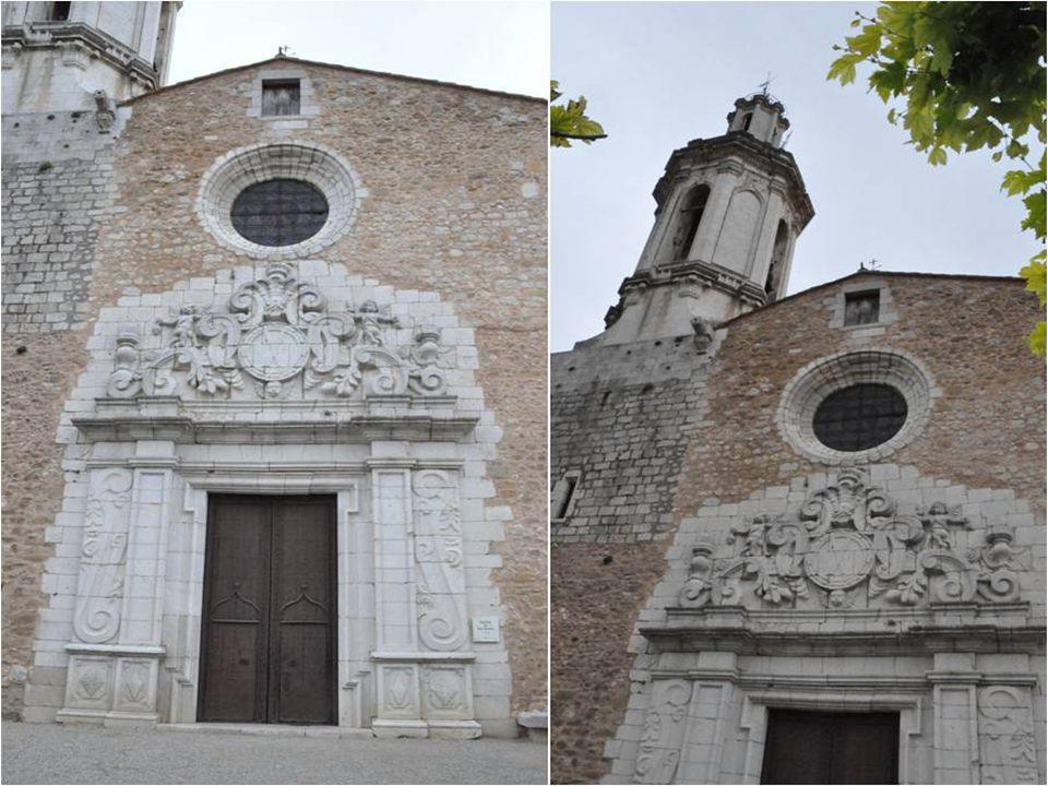 La façade est de style baroque et son Clocher de 38 mètres passe pour le Plus haut de la région.