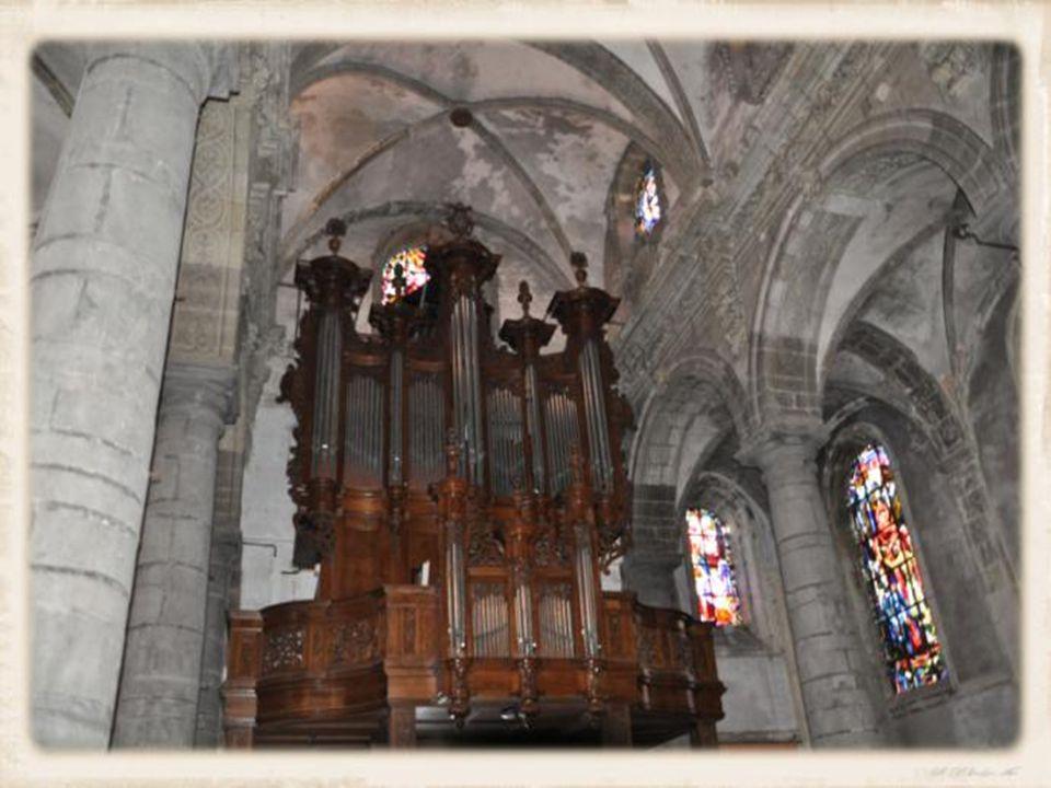 L église Saint Martin 17 ème siècle : Cest une église Baroque et fort intéressante.
