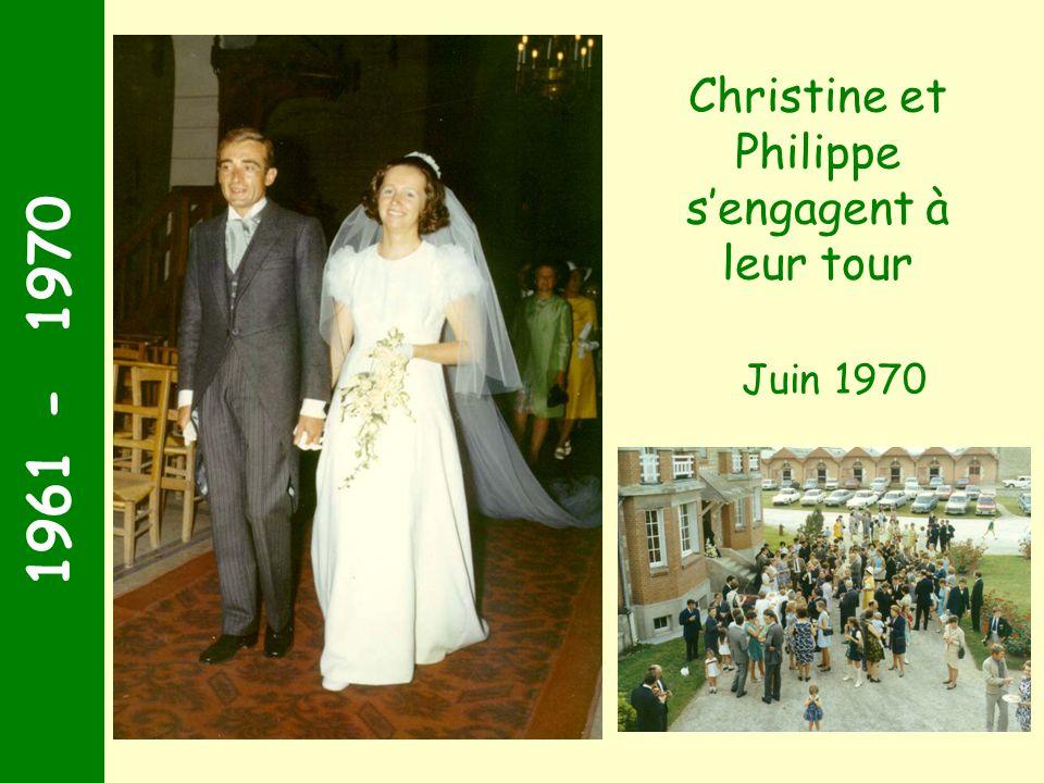 1961 - 1970 Arnaud Juin 1969 1969 Cest bien un garçon !! A larrivée du premier petit-fils, tout le monde sextasie !!