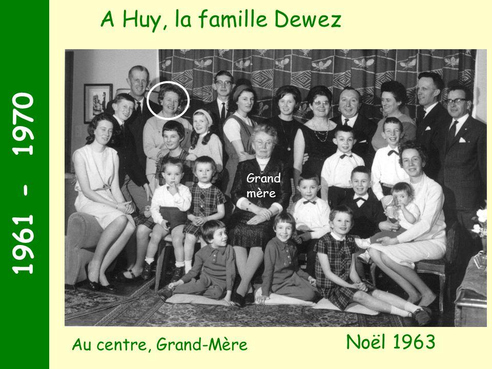 1961 - 1970 Noël 1963 A Huy, la famille Dewez Grand mère Au centre, Grand-Mère