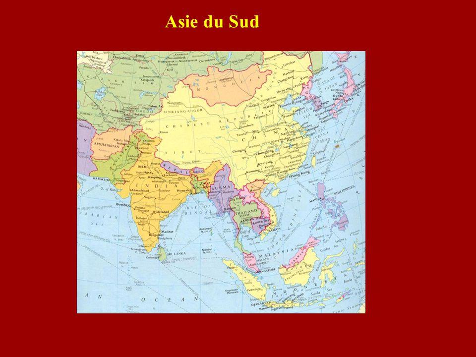 Les grands empereurs moghols Bâbur (1526-1530) : Mosquée dAyodhyaBâbur Humâyûn (1530-1556)Humâyûn Akbar (1556-1605) : Grand fort de DelhiAkbar Jahângîr (1605-1627)Jahângîr Shâh Jahân (1627-1658) : Taj MahalShâh Jahân Aurangzeb (1658-1707)Aurangzeb