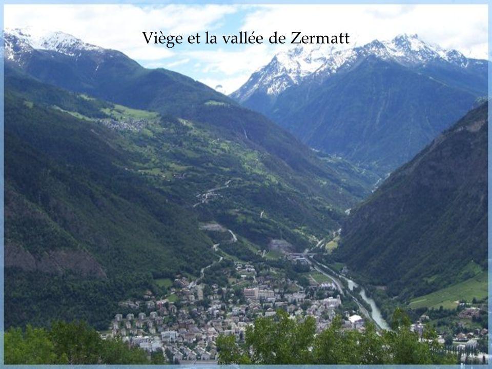 Au départ de Raron, poursuivez votre voyage dans la romantique vallée de Bietsch où vous visiterez les gorges mystérieuses où légende et réalité se co