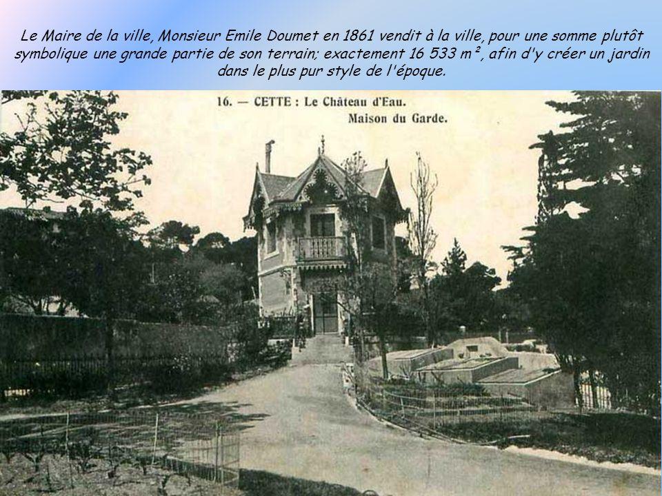 Pont Sadi Carnot construit en 1926. A droite lusine sidérurgique du Creusot qui a laissé le nom au quartier.