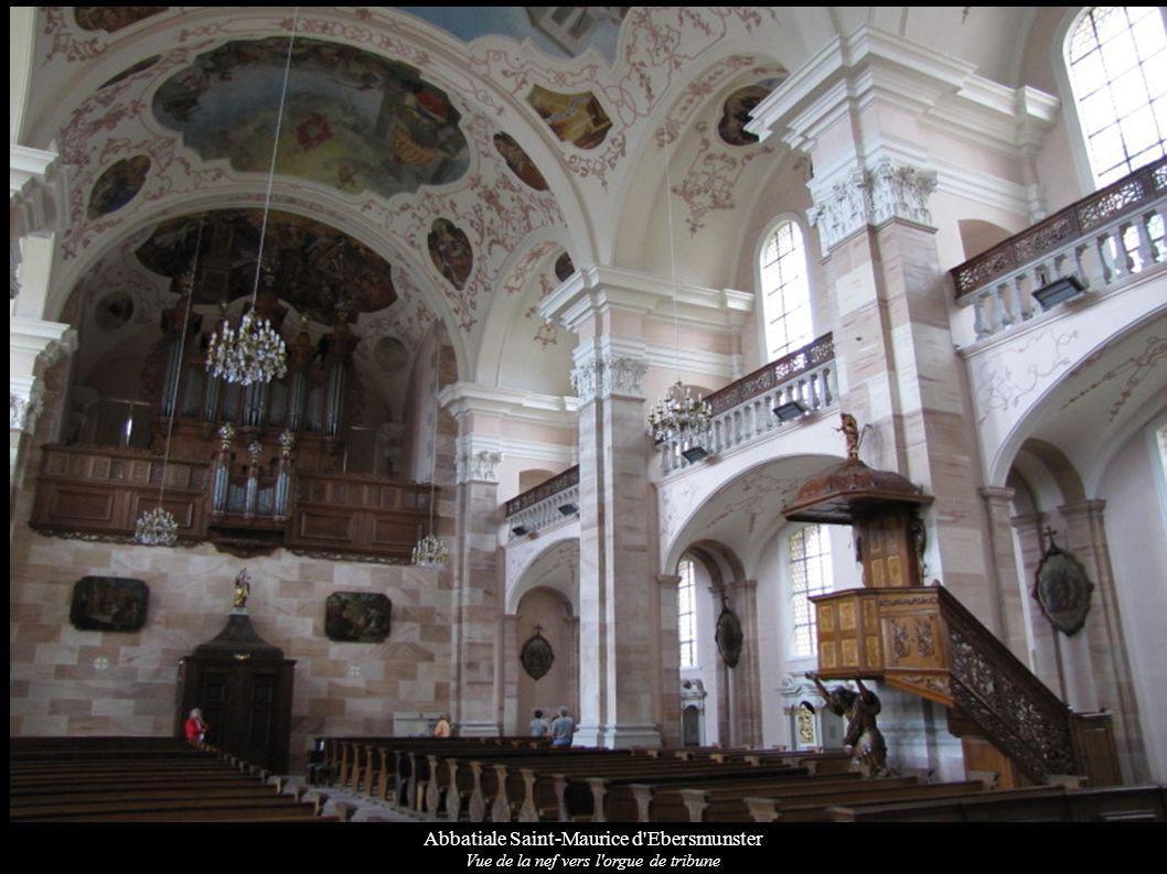 Abbatiale Saint-Maurice d'Ebersmunster Vue de la nef vers l'orgue de tribune