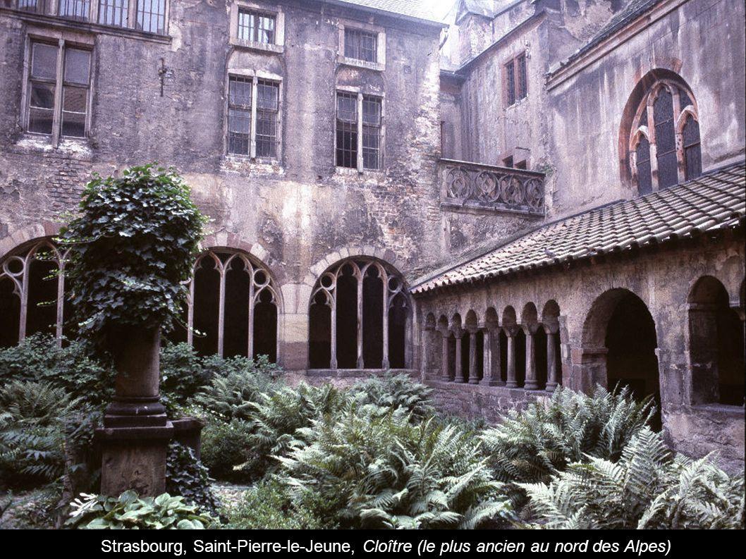 Strasbourg, Saint-Pierre-le-Jeune, Cloître (le plus ancien au nord des Alpes)