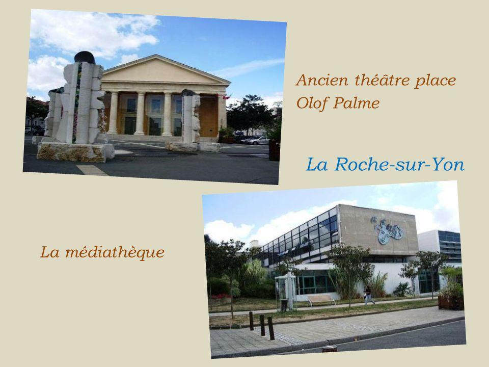 Ancien théâtre place Olof Palme... La Roche-sur-Yon La médiathèque