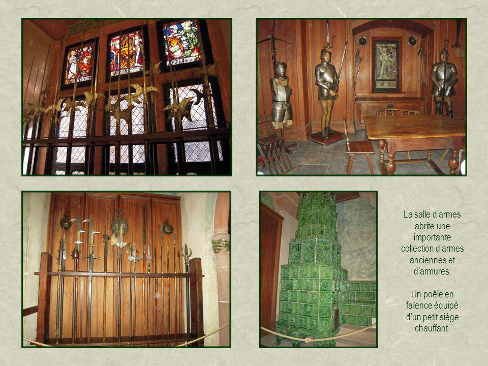 Salle des trophées de chasse, tous marqués du W de lempereur (Wilhelm pour Guillaume).