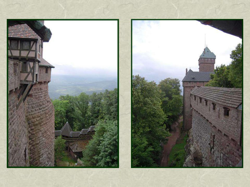 Dans le bastion sont conservés danciens canons des XVIe et XVIIe siècles.