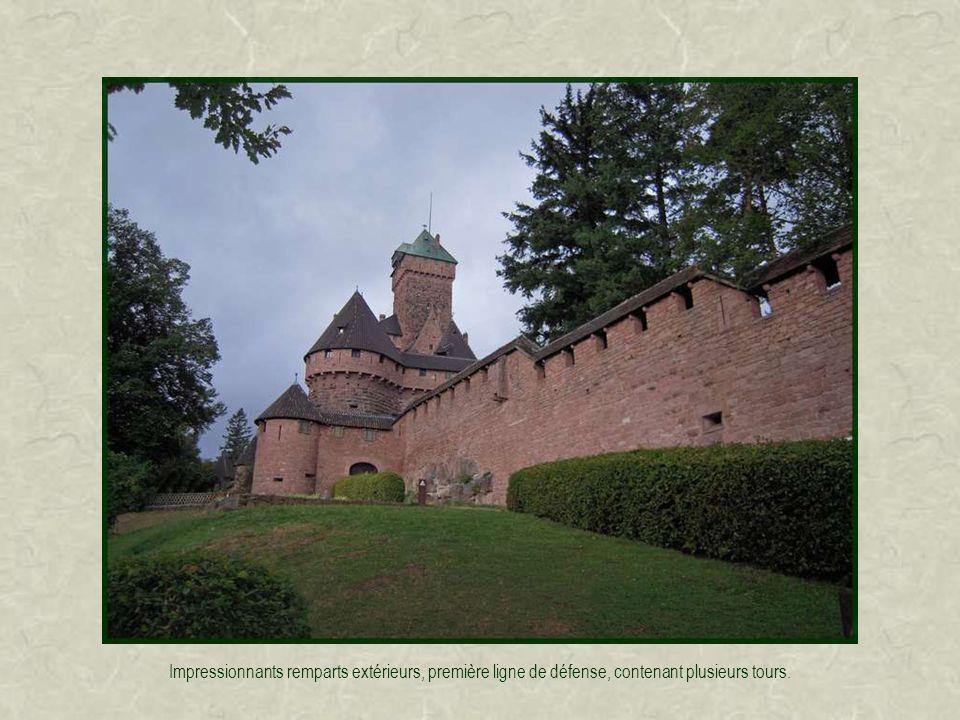 Le grand bastion est la partie la plus fortifiée: il devait pouvoir sopposer à de lartillerie installée plus à louest sur léperon rocheux.