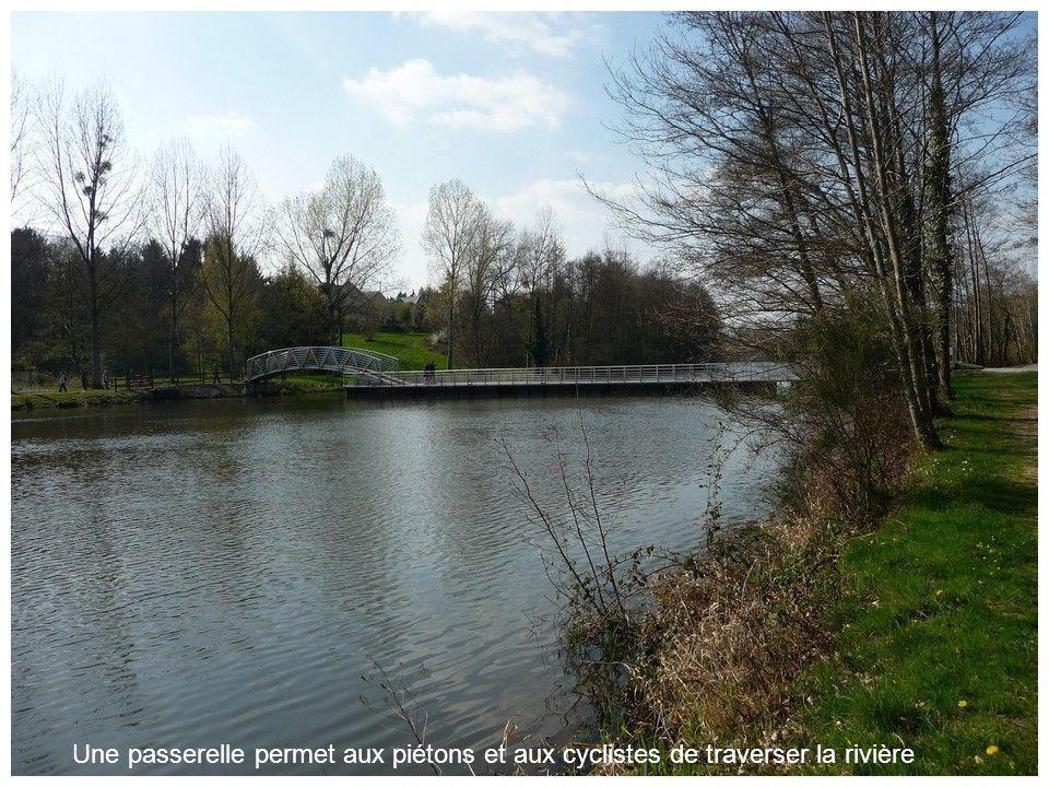 Sur lautre rive, le parc de loisirs de Vaux