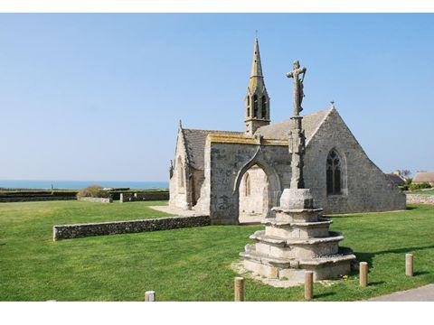 La chaire de la chapelle de Tréminou est dun type inusité en Bretagne.