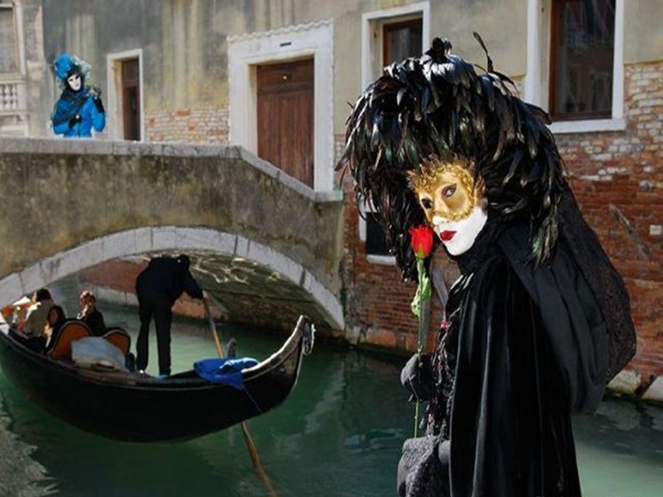 Durant ces quelques jours de fête, les touristes affluent du monde entier.