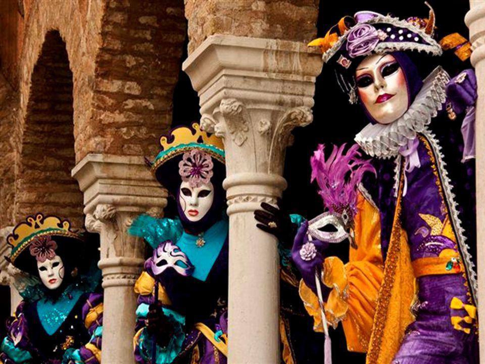 Le Carnaval de Venise est aussi le titre d une simple chanson, autrichienne à l origine, qui remonte à la première moitié du XIX e siècle, Mein Hut, der hat drei Ecken(« Mon chapeau, qui a trois coins » ou « Mon tricorne »).