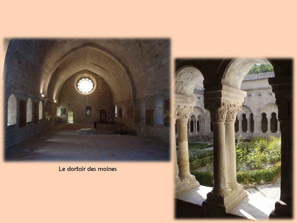 Les ruines du château du marquis de Sade à Lacoste