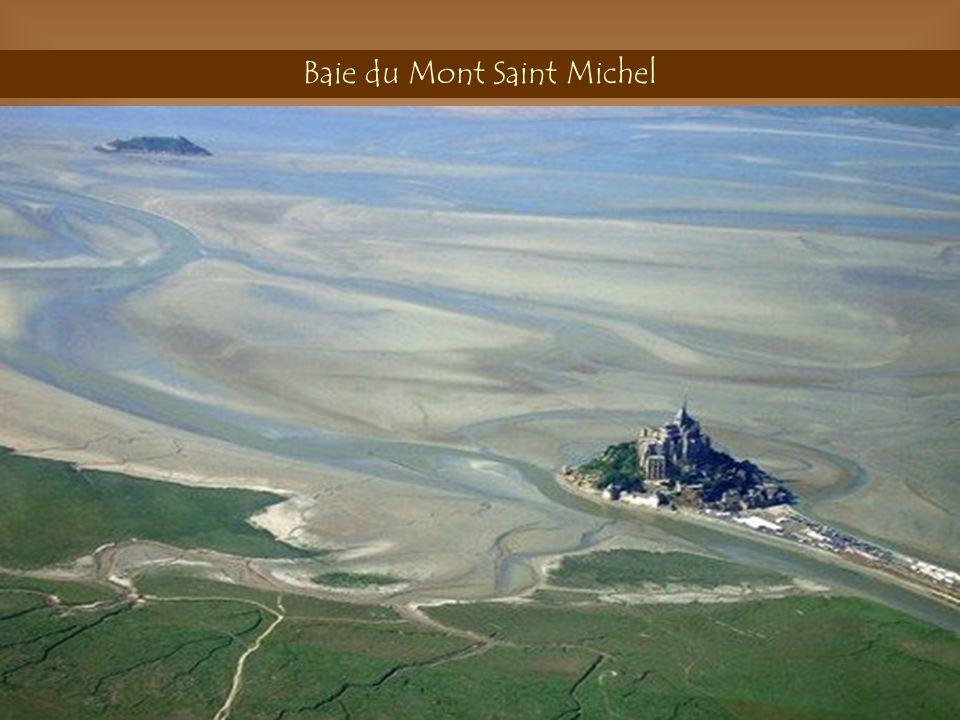 Abîme de Bramabiau Cévennes La rivière Amour Traverse le Mont Aigoual Pour réapparaître À Bramariau