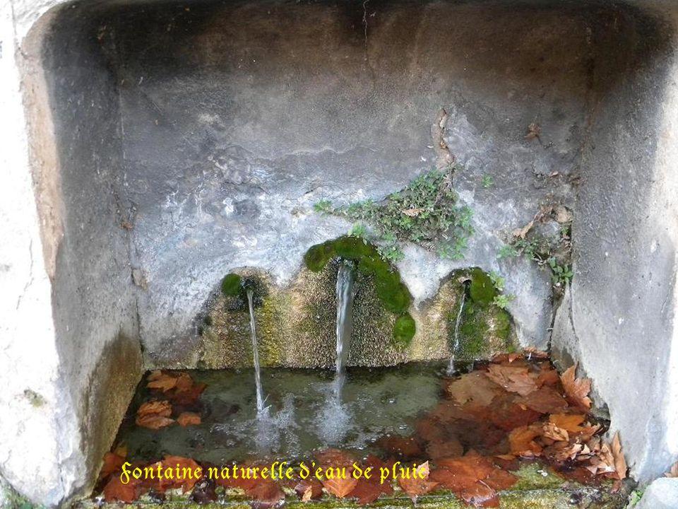 Les fontaines d Eguilles