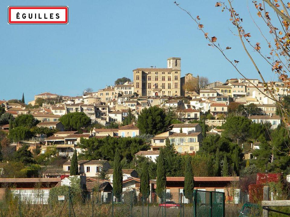 Eguilles ( Aguilha )en provençal est une commune française, située dans les bouches du Rhône.