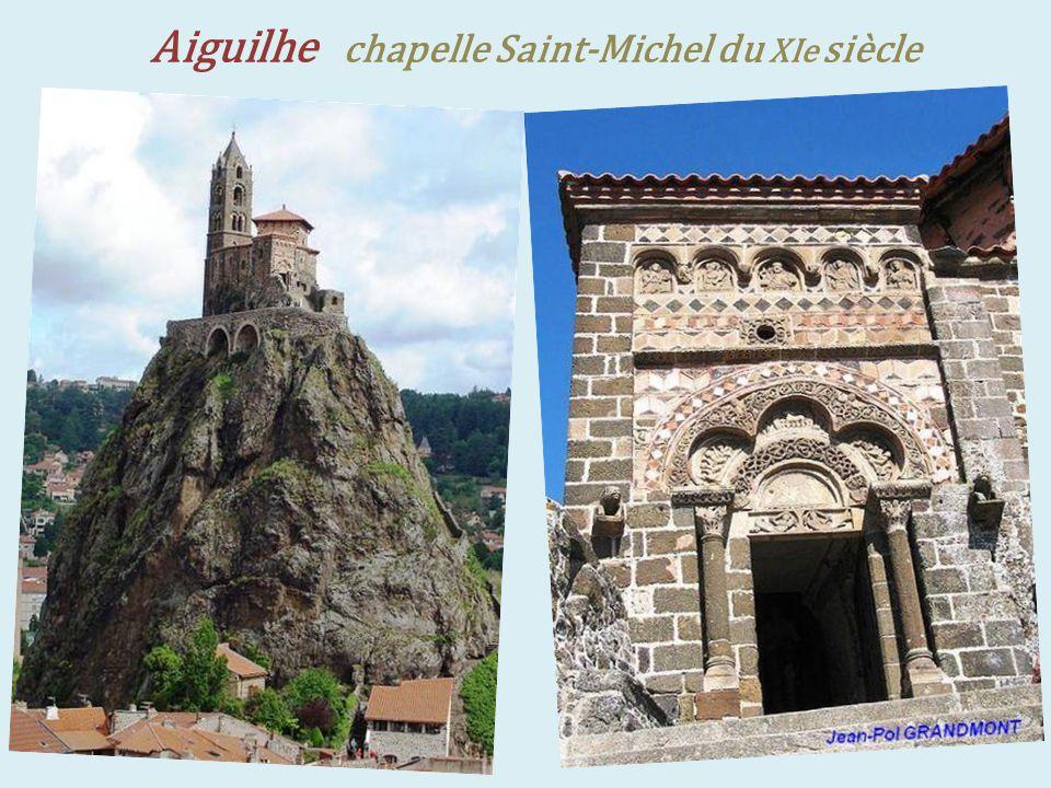 Polignac forteresse du XIe siècle,. donjon du XIVe siècle