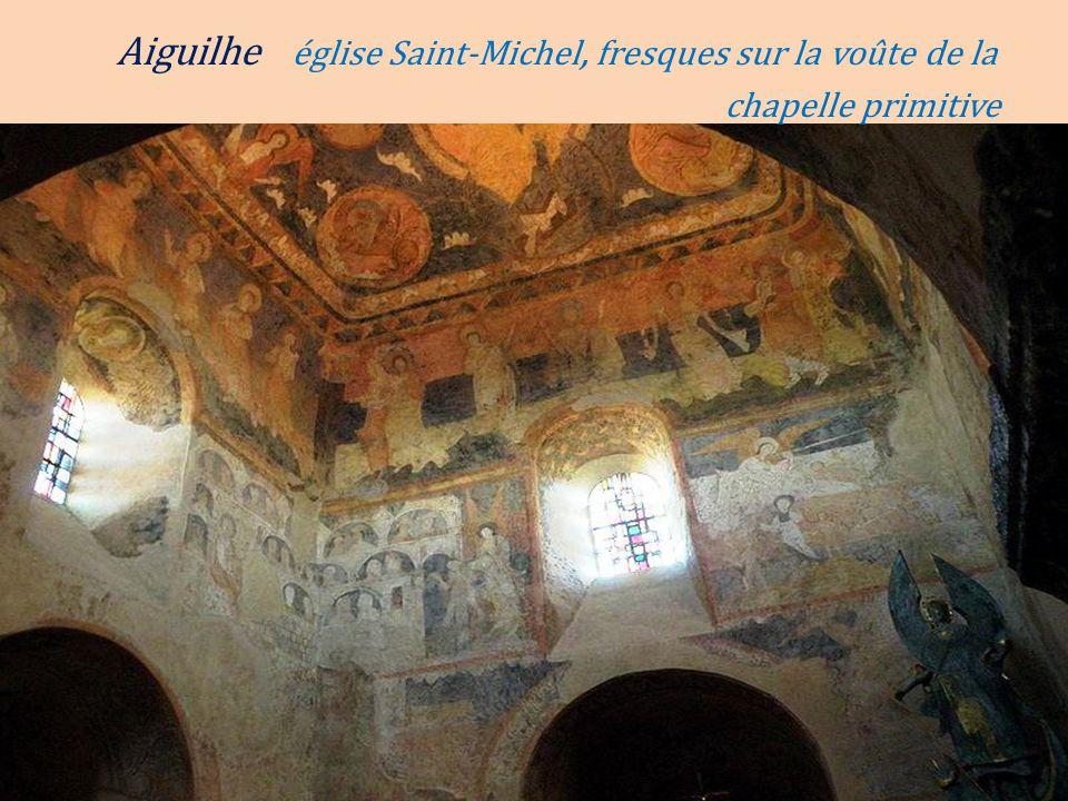 Aiguilhe église Saint-Michel, fresques sur la voûte de la. chapelle primitive
