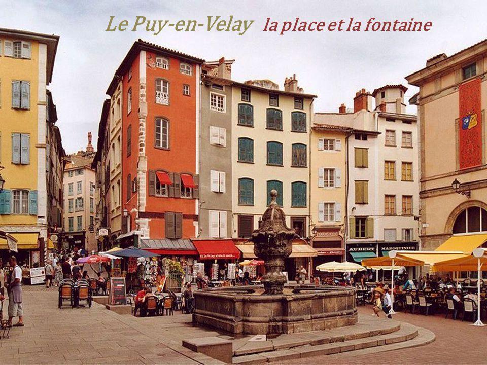 Le Puy-en-Velay la tour Pannessac
