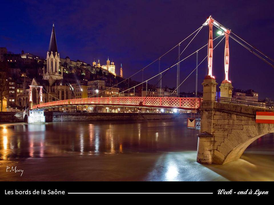 Week - end à Lyon Vue sur la cathédrale St Jean et la Basilique de Fourvière