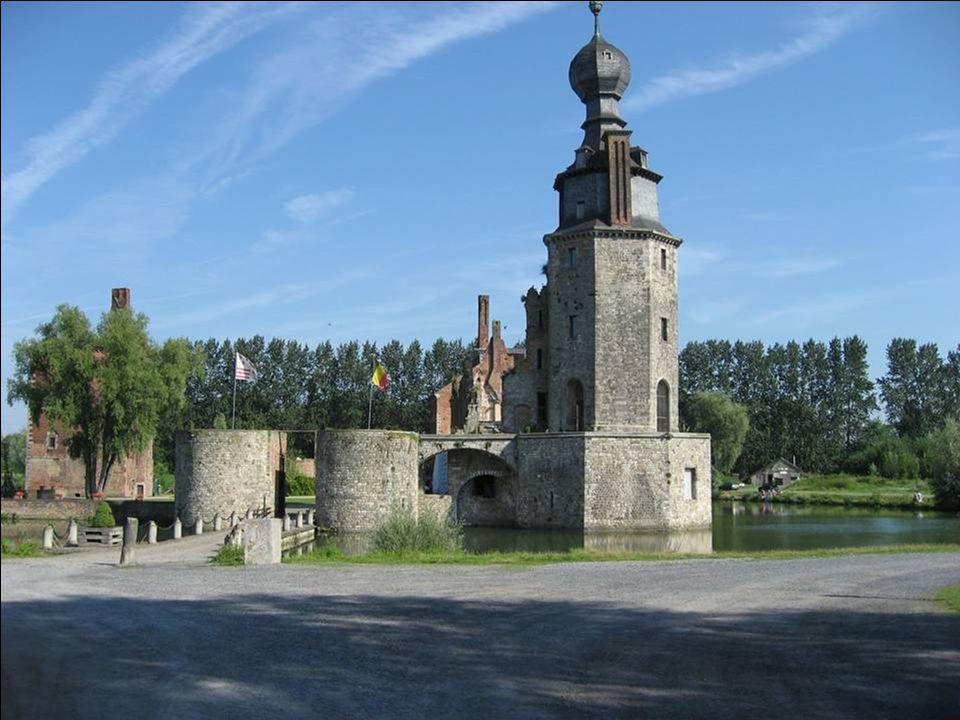 par Christiane CHÂTEAU DHAVRE Poste de guet sur la Haine en amont de la ville de Mons, le domaine d Havré est connu dans l histoire depuis le XIIe siècle.