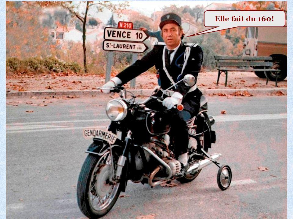 Un motard de la Gendarmerie Nationale: Voir photo page suivante
