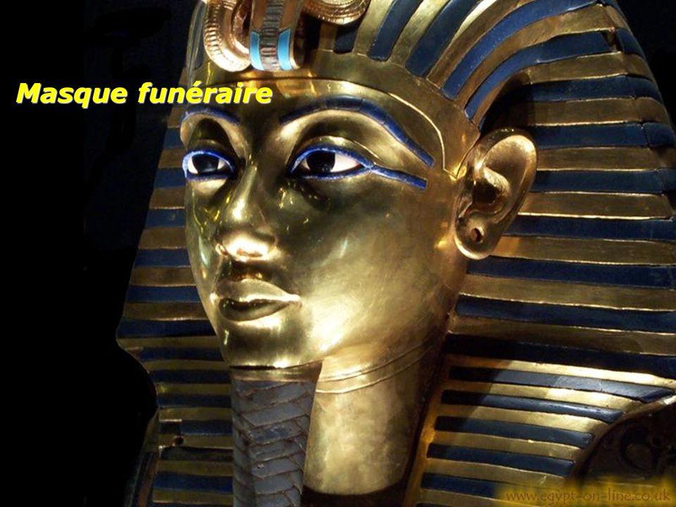 Canope: Urne en forme de sarcophage contenant les viscères du pharaon