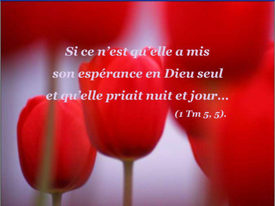 Si ce nest quelle priait assidûment avec les apôtres dans la chambre haute où tous furent remplis de lEsprit-Saint… (Ac 1, 14);