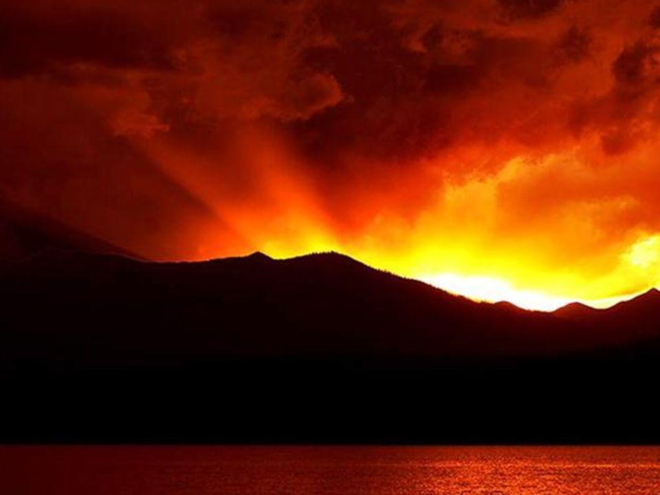 Désormais toutes les nuits sont belles, car la foi peut y naître. Toutes les nuits sont saintes car Dieu y apparaît.