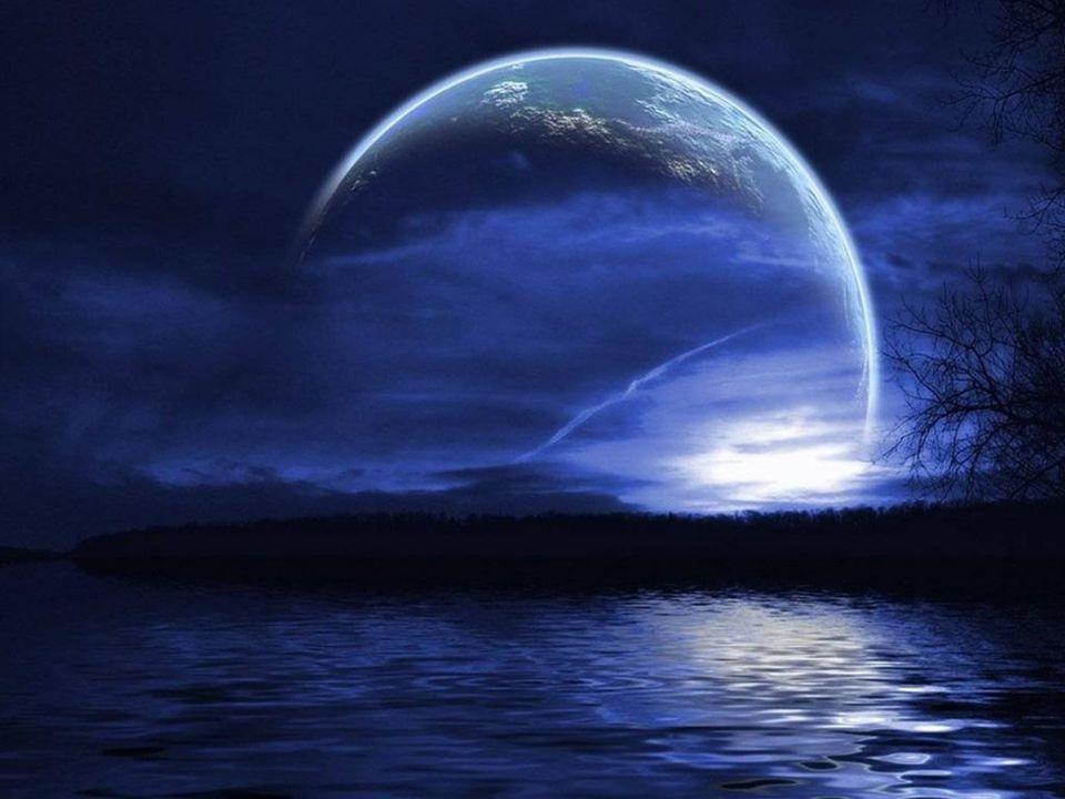 Ô nuit de paix, ô nuit de foi. Cest la nuit sur le monde.