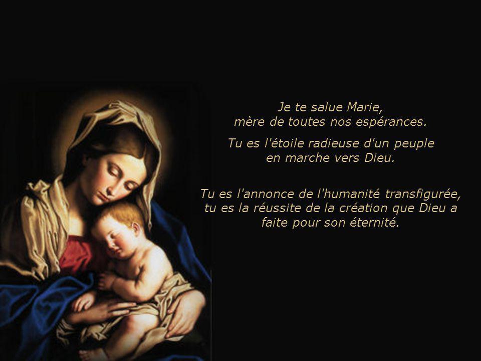 Je te salue Marie, mère de toutes nos pentecôtes. Tu es, avec les apôtres, l'Église qui prie et accueille les dons du Saint-Esprit.