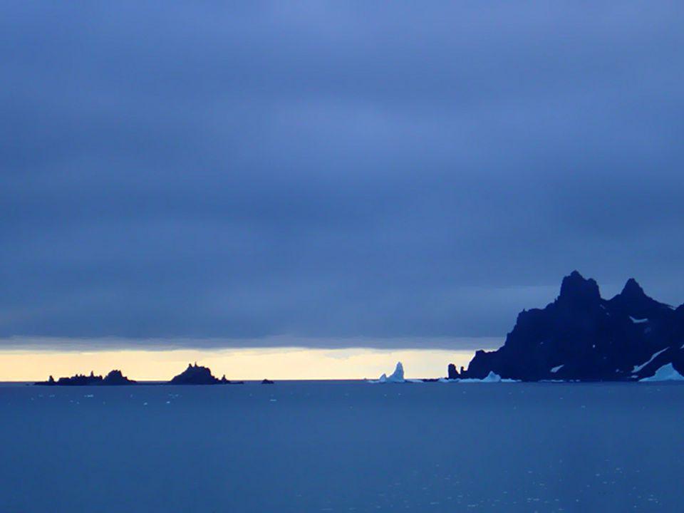 Le continent antarctique est situé au Pôle sud de notre planète.