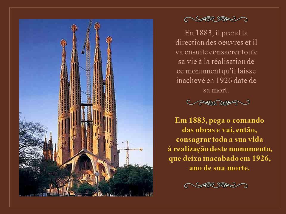 La Sagrada Familia La Sainte Famille est le monument le plus célèbre de Gaudi et le plus représentatif de son génie visionnaire. A Sagrada Família é o