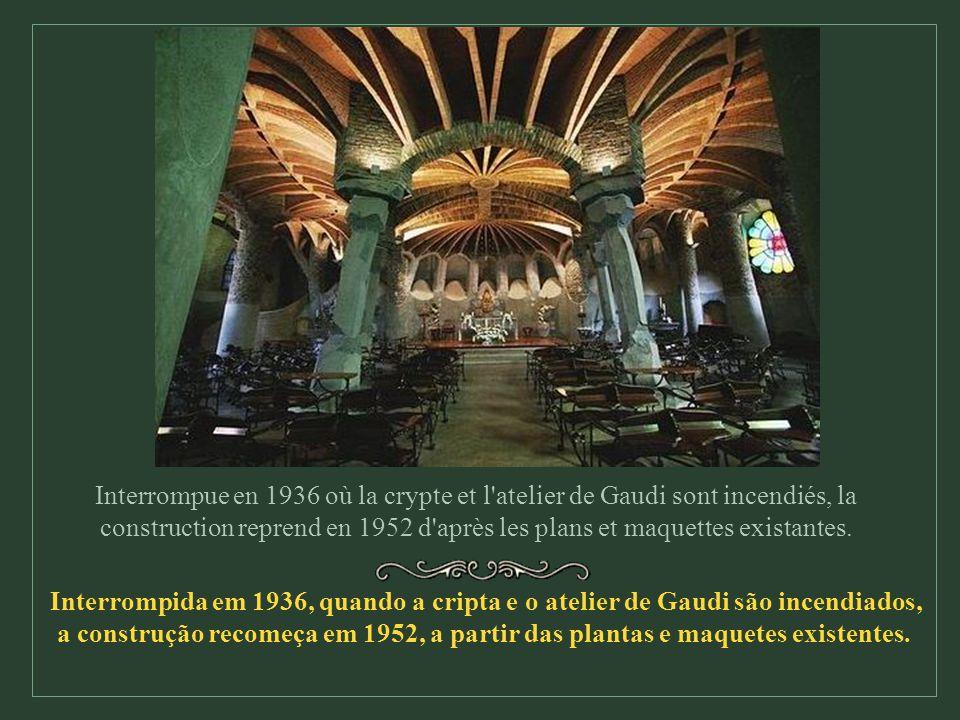 Les dix-huit tours évoquent les douze apôtres, les quatre évangélistes, la Vierge Marie et le Christ. As dezoito torres representam os doze apóstolos,