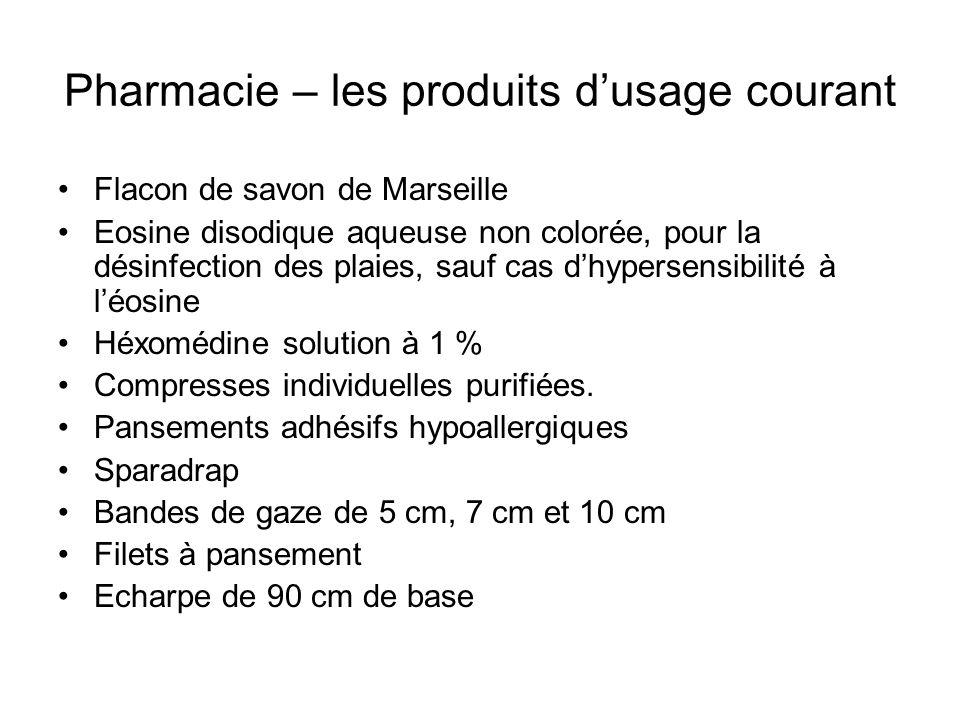 Pharmacie – les produits dusage courant Flacon de savon de Marseille Eosine disodique aqueuse non colorée, pour la désinfection des plaies, sauf cas d