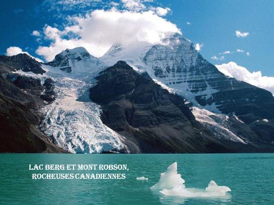 Lac Berg et Mont Robson, Rocheuses Canadiennes