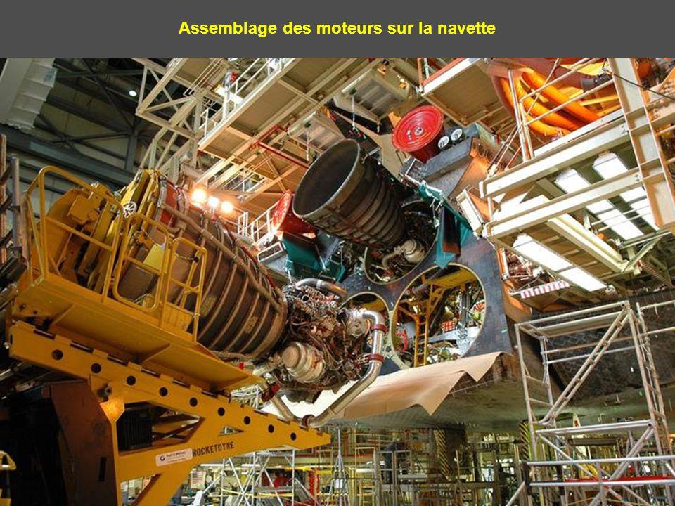 Assemblage des moteurs sur les propulseurs