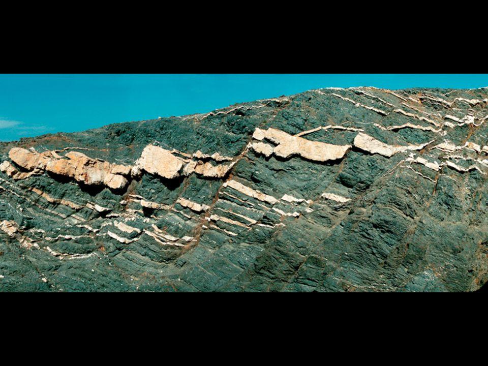tectonique cassante post-magmatique ?