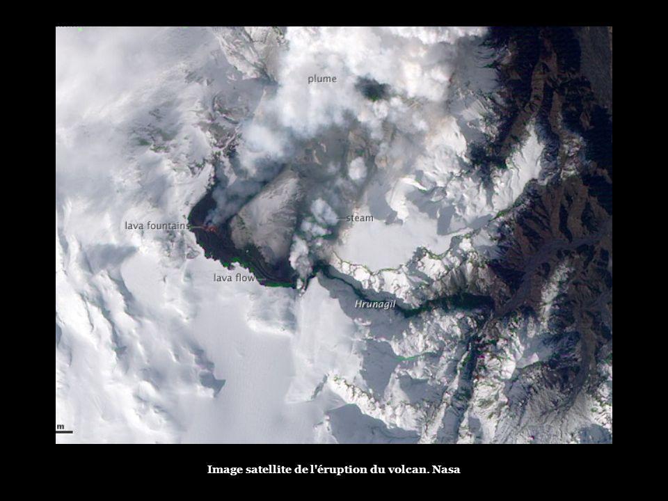 Une nouvelle fissure est apparue près du volcan Eyjafjallajokull Reuters
